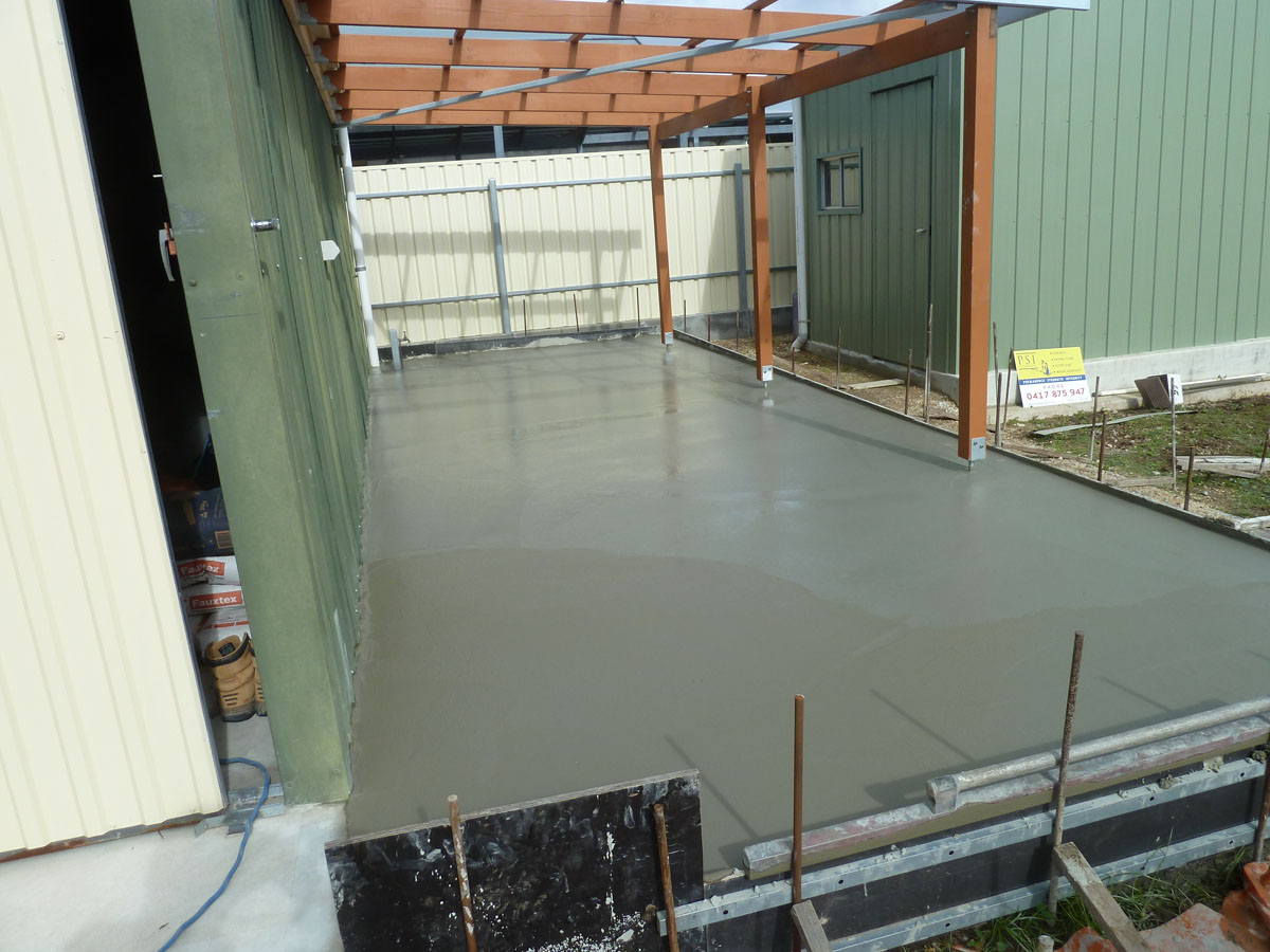 Paths driveways and hardstandings psi pavements for Garage flooring adelaide